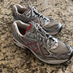 ASICS Duomax athletic shoe
